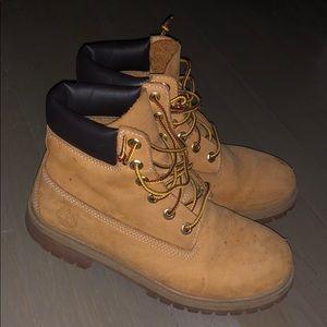 Authentic TIMBERLAND work boots (Men 5.5 / Women